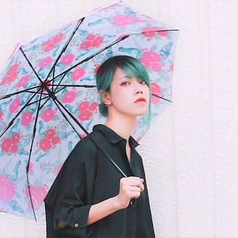 傘専門店の販売スタッフを募集中オシャレ自由なお店でオリジナルデザインの傘の魅力を伝えませんか?